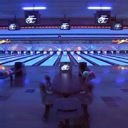 Cosmic Bowling at Royal Z