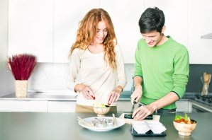 couple-making-sushi-at-home